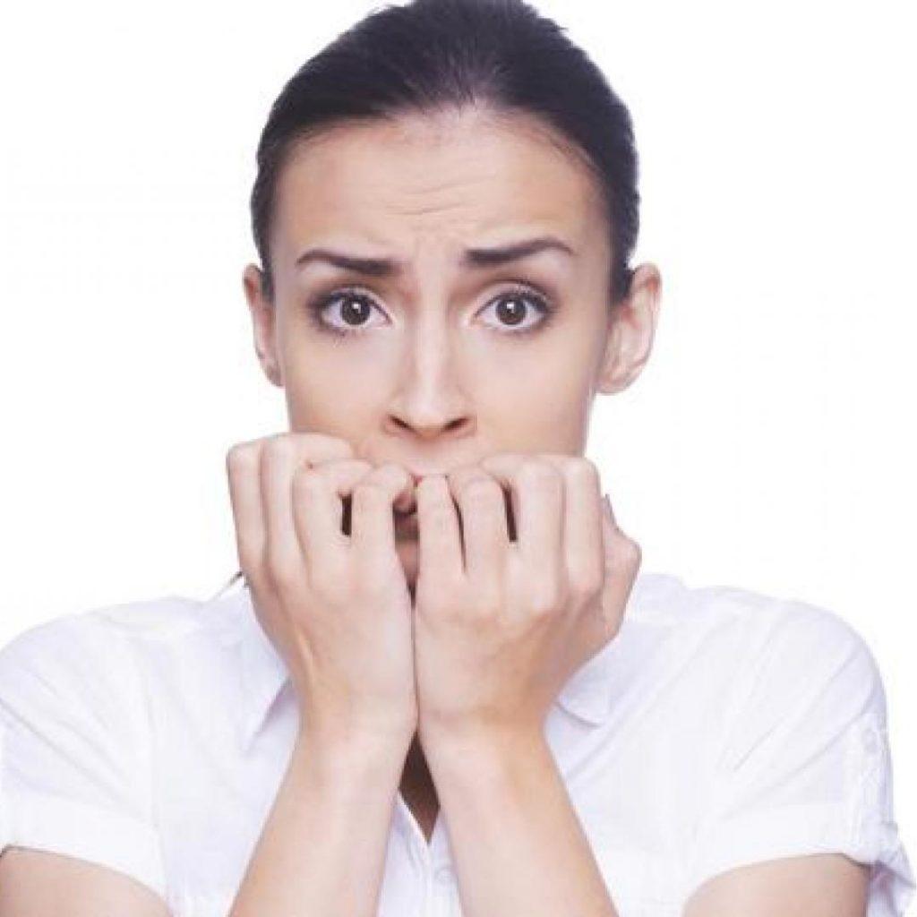Afectează gelul unghia naturală?