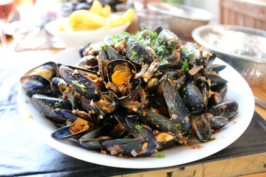 15 preparate culinare pe care trebuie să le încerci pe Coasta de Azur
