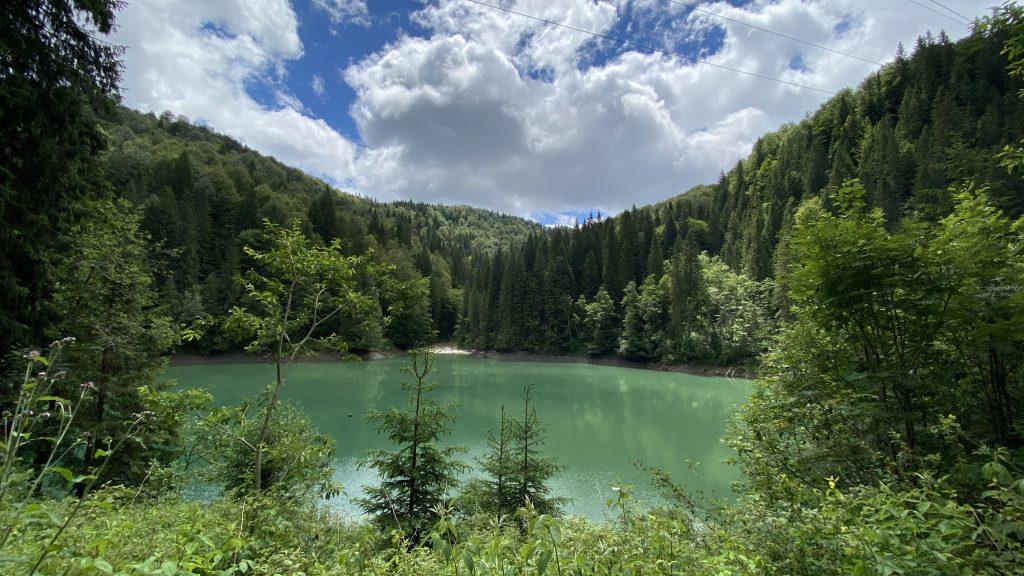 Hiking in Bucegi - Lacul Scropoasa