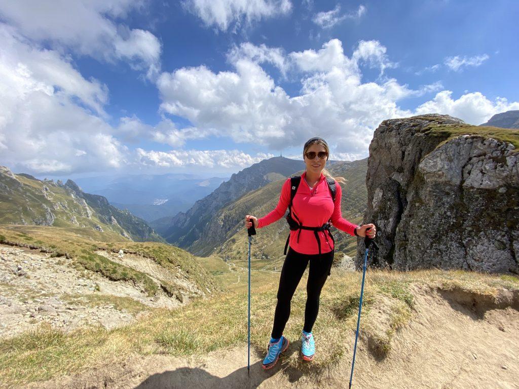 De ce echipament ai nevoie pentru o drumeție pe munte?
